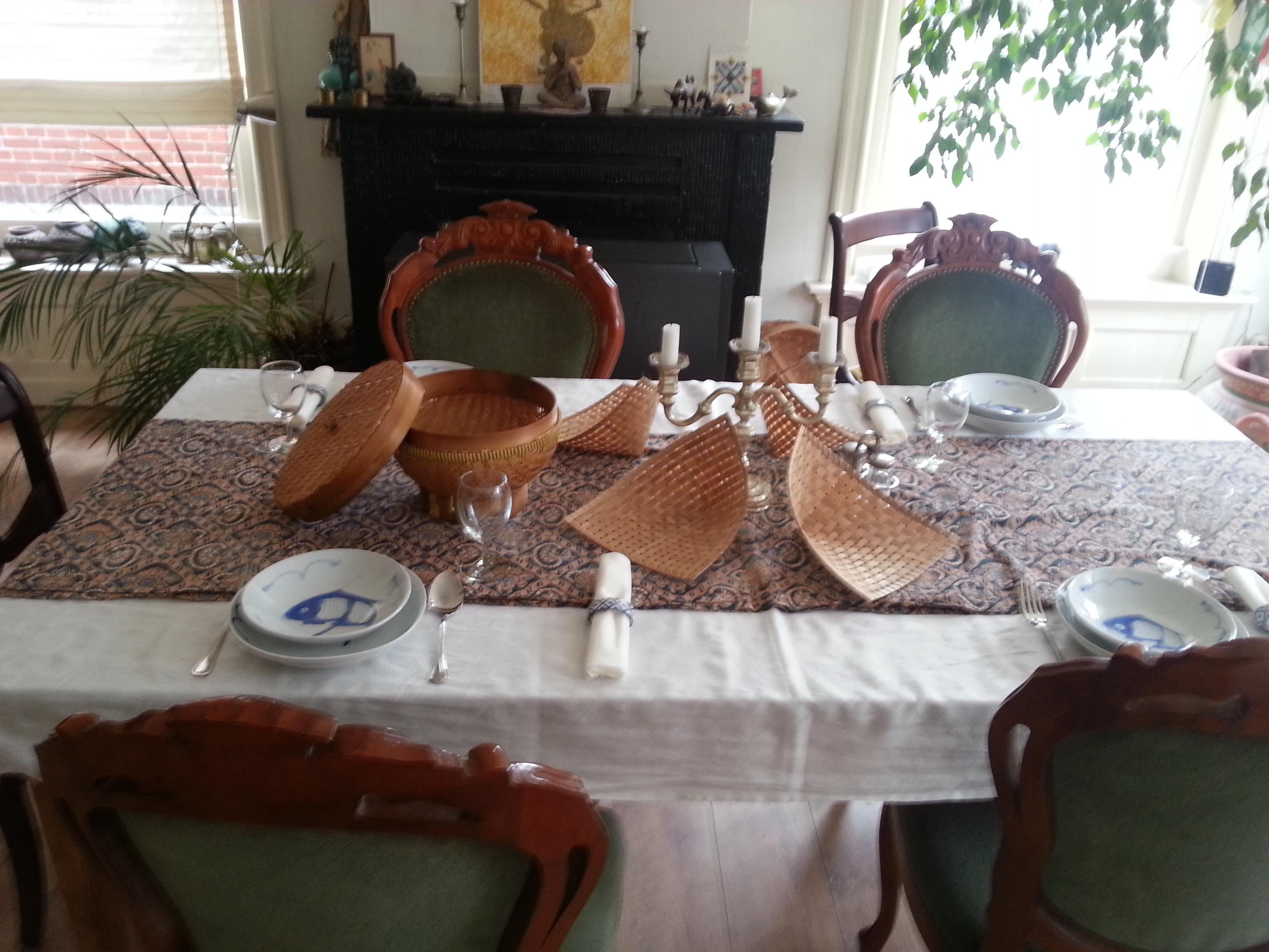 huiskamer van de prins van Ouw waar na de workshop met elkaar de gerechten gegeten worden